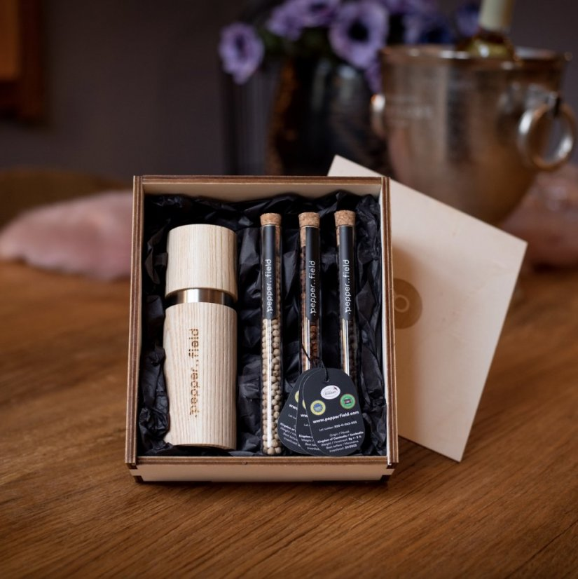 Kampot pepper - set of glass tubes with a grinder in a gift box (8g+9g+10g) - Grinder: Wood