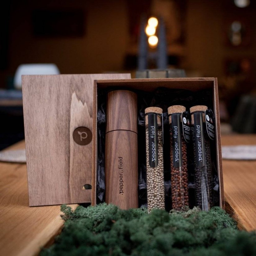Kampot pepper - DARK set with a grinder from American walnut wood in a gift set (3x75g)