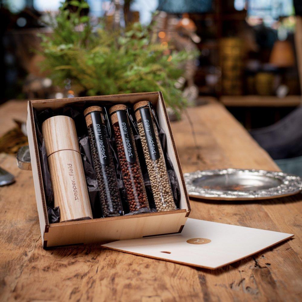 Kampotské korenie - sada s mlynčekom z českého jaseňa v darčekovej krabičke (3x75g)